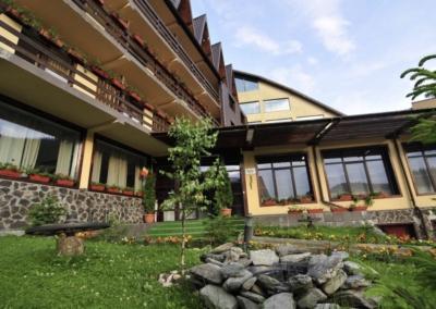 GM-mistral-hotel-exterior-02